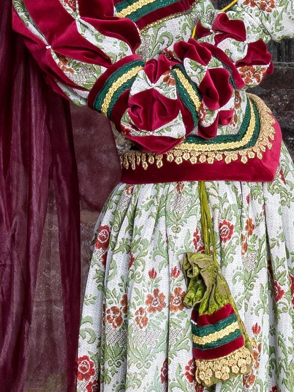 Renaissance Kleid FL 3 Flora, der schöne Vogel mit goldenem Käfig renaissance mode mittelalter barock rokoko kostÃ