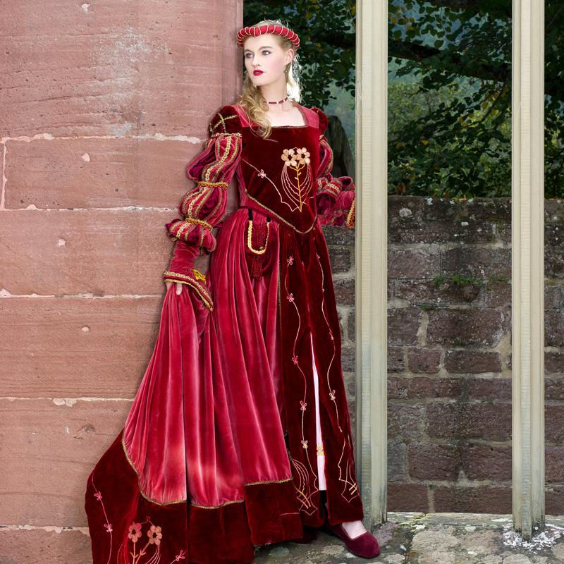 Renaissance Kostuem FI 0 Fiametta, die edle Dame in rotem Samt renaissance mode mittelalter barock rokoko kostÃ